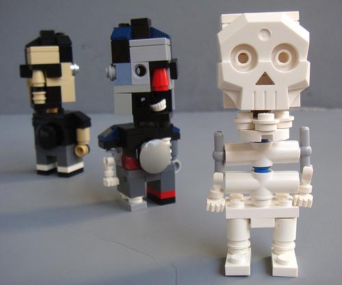 Микроменеджмент: время создавать зомби